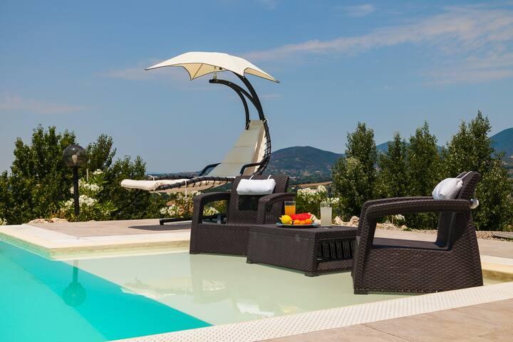 Villa Selci - Pool Villa near Rome (up to 8 p.)