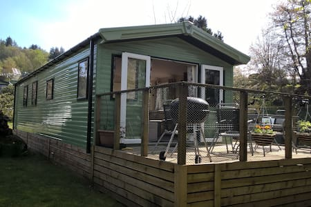 Caravan holiday let in delightful location.