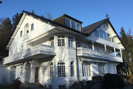 Beautifull Hide away / Traumwohnung in hist. Villa - Tutzing - Apartamento