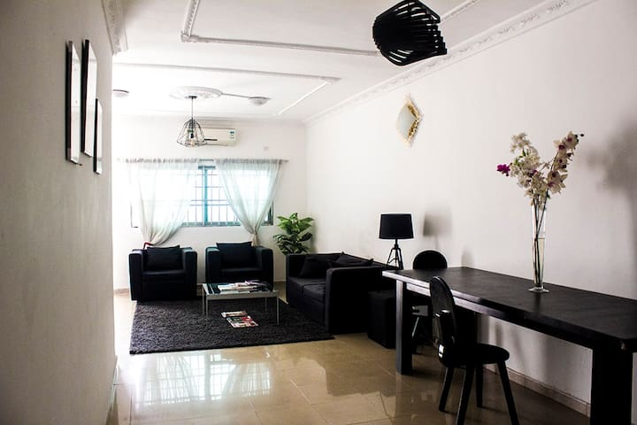 2-bedroom cosy flat in residential area in Cocody
