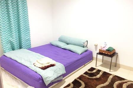 COZY HOME 2 BEDROOMS, BEST PRICE! - Tangerang - Hus