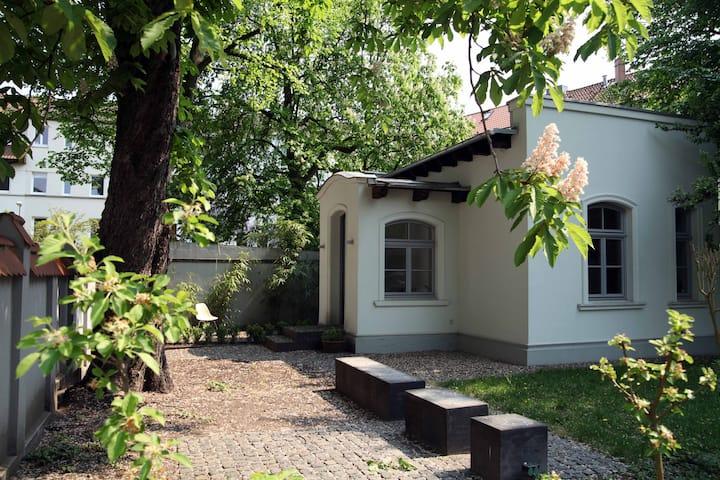 Luxus Mini-Villa mit Garten, nur Geschäftsreisende