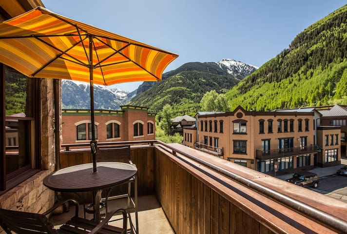 Penthouse Living in the Heart of Telluride with Pristine Interiors, Elegant Decor, and Stunning Mountain Views