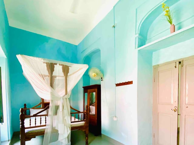Authentic Room - Balcony House Zanzibar