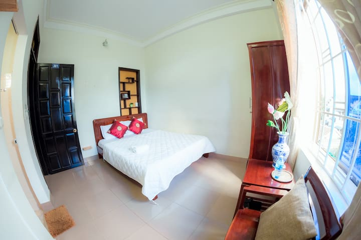 Room 3 -Double room with view and private bathroom