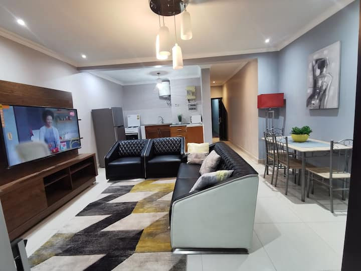 Boulevard, stunning Gombe apartment with balcony