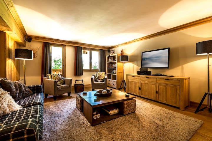 A4415 - Pleasant high standing ski-in/ski-out apartment, spacious and comfortable, close to the children's village