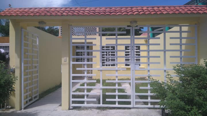 House in Villas Morelos, 5 min from the beach.