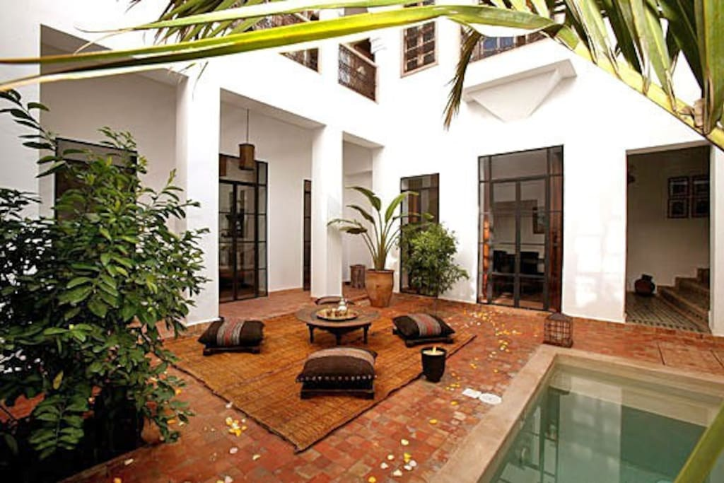 Great garden-courtyard/Small heated pool