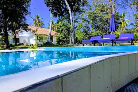 3 Roomed Villa with Pool near Mihiripenna beach