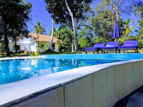3 Roomed Villa with Pool near Mihiripenna beach