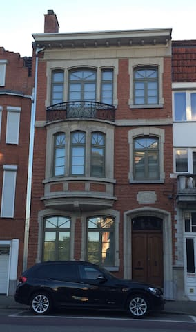 Duplex in nice mansion (breakfast, sauna and pool) - Hasselt - Rumah bandar