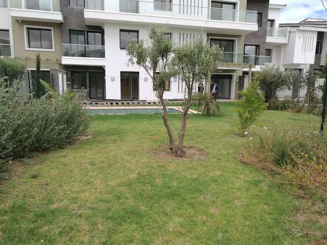 2 chambres, piscine, Jardin, Palmeraie Bouskoura