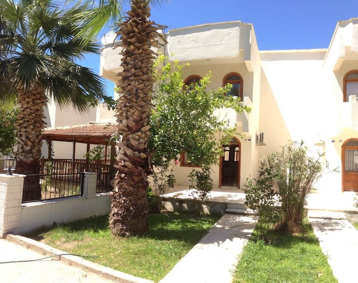 For a comfortable holiday 200 m from the sea.