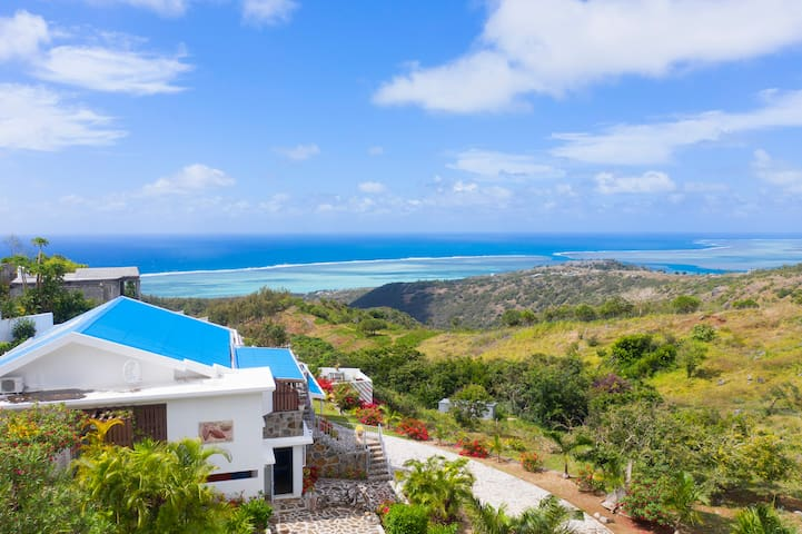 Villa Rodrigues 5 min from gravier, private pool