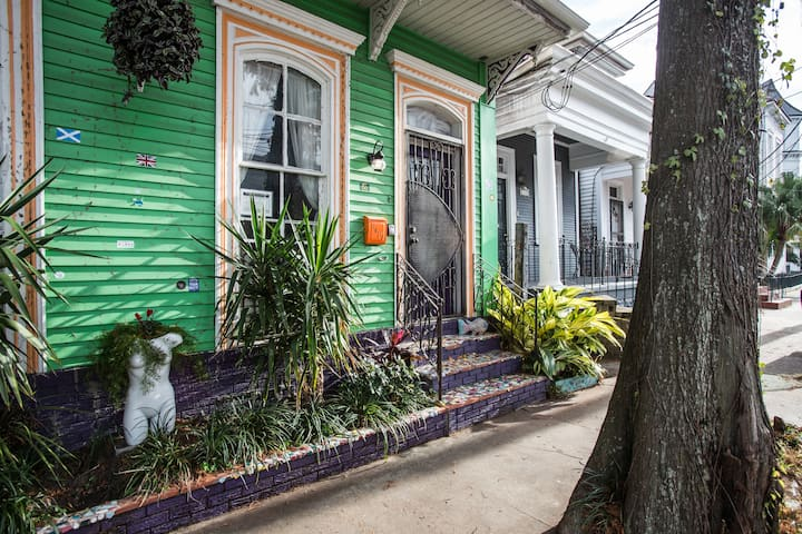 Fun Studio steps to French Quarter!