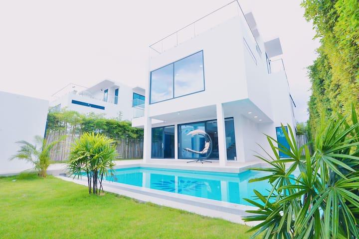 【芭提雅CBD高端度假别墅】palma3 五卧超大500平空间/智能家居/独立泳池