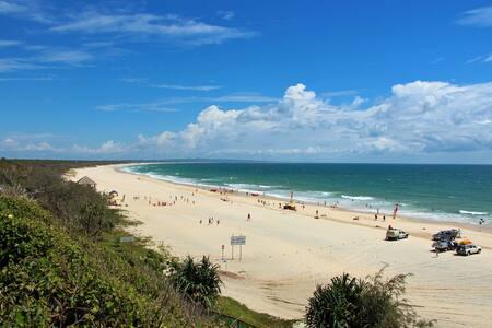 Take a beachside break! - Rainbow Beach - Hus