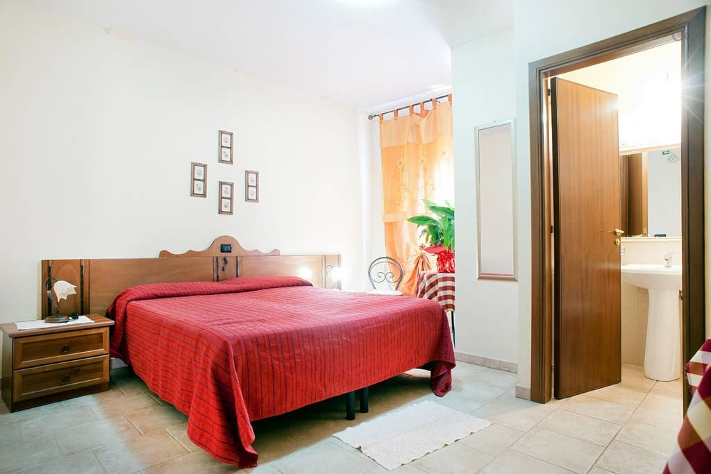 Romantic week end chambres d 39 h tes louer malandrone for Week end chambre d hotes