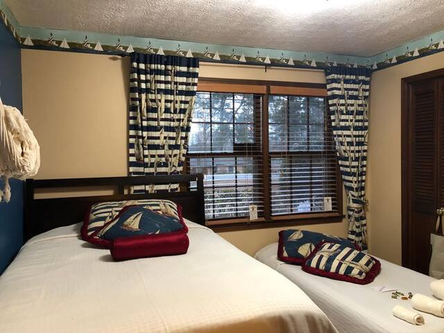 Private Room D 1Bed 1Airbed 1Hammock & Breakfast