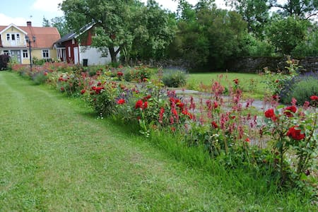 Idyllisk Ölandsgård - Färjestaden - Sommerhus/hytte