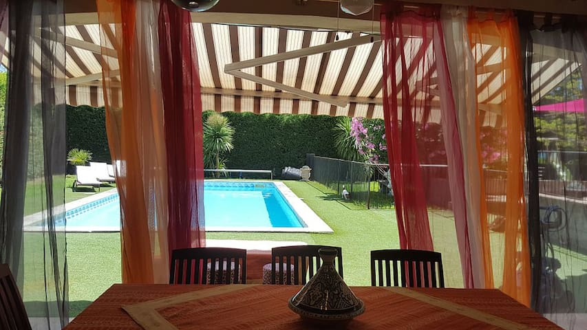 Mas Provence Piscine 8 personnes - Châteaurenard - Villa