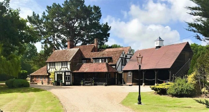 AA 5 Star Gold Boutique B&B close to Glyndebourne