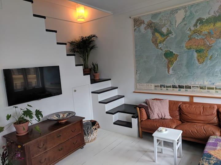 Bohemian 2floor apartment in hip central CPH!