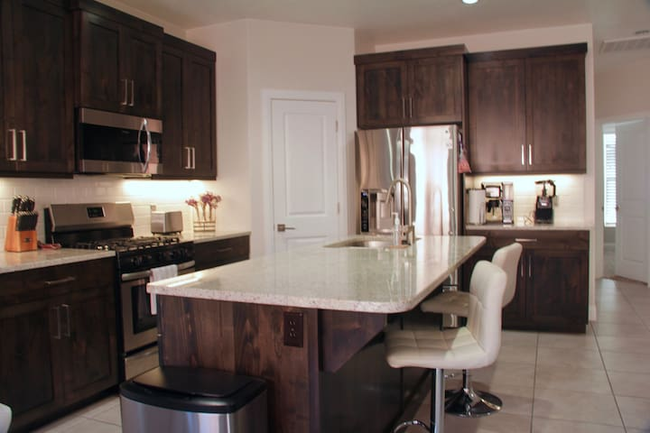 3 Bedroom 2 Bath Entire House - St George Red Rock