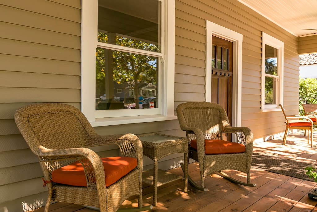 Comfortable front porch to enjoy the beautiful Paso Robles evenings.