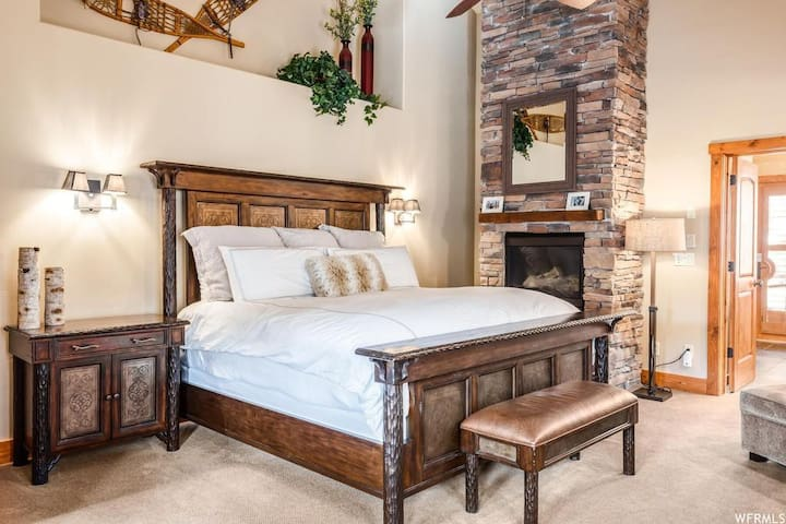 Master bedroom with private access to hot tub