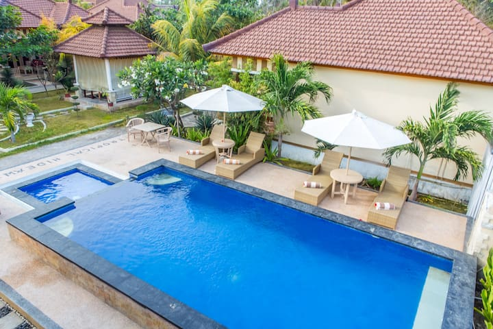 Tropical Hideaways Hotel - Pemenang - Inny