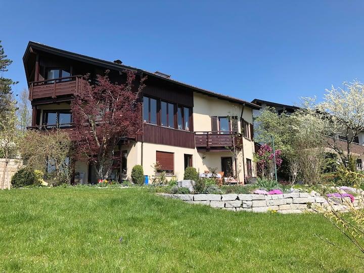 Haus mit Südhanglage und herrlichem Bergblick