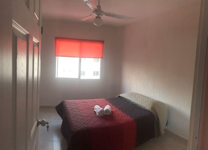 Linda habitación en nuevo residencial con piscina