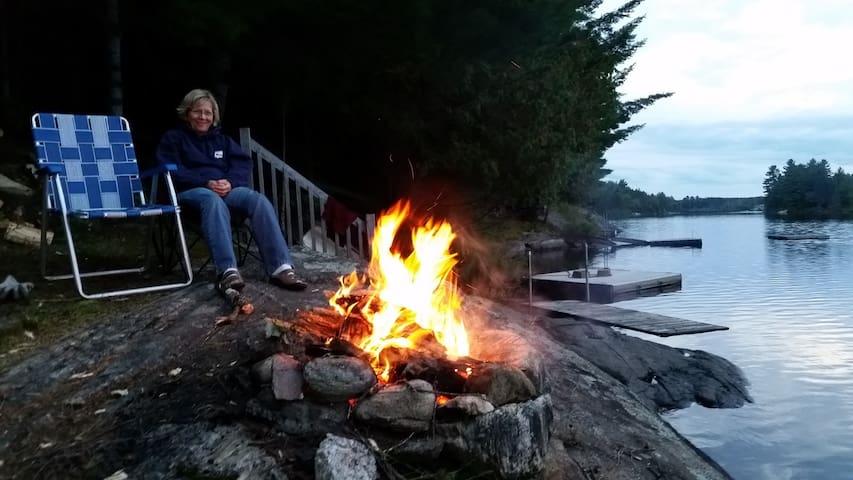 Parsons Cottage On Brady Lake