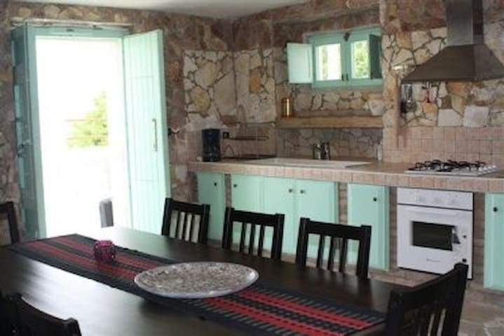 (PHONE NUMBER HIDDEN) Rustic house with a magnificent view - Pisticci - Rumah