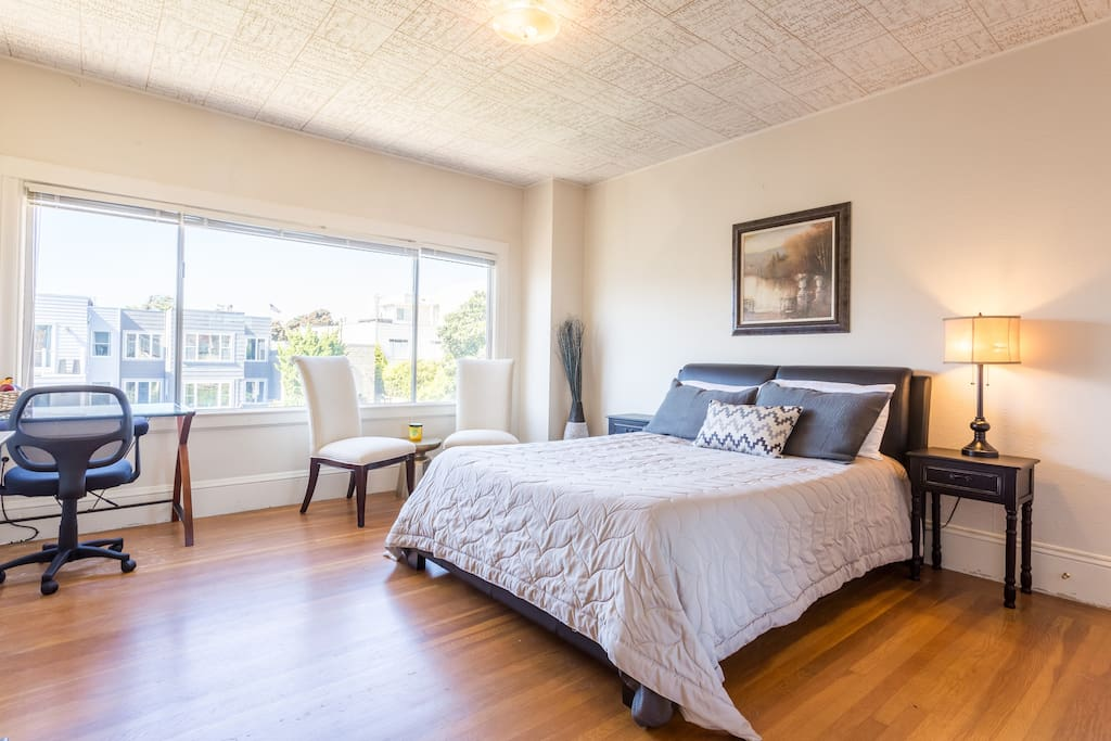 Stunning Marina Master Bedroom In A Penthouse Apartments For Rent In San Francisco California