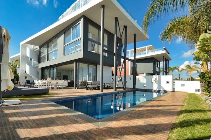 Villa Chivon, Luxury 3BDR Villa with Private Pool