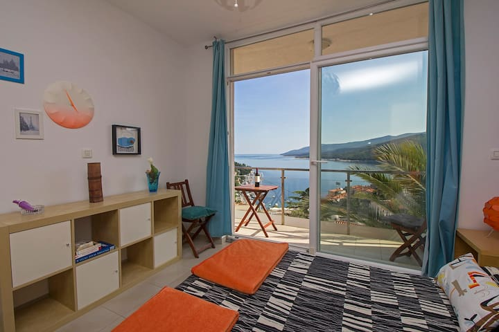 A small apartment with a big view - Rabac - Wohnung