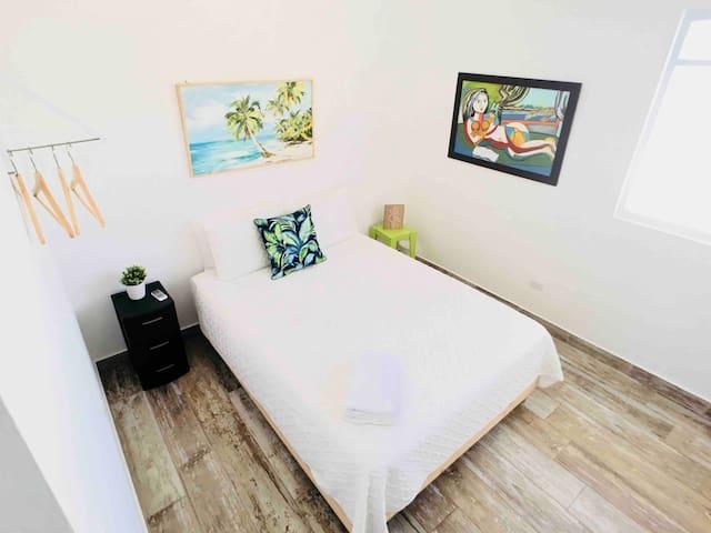 Hauz Master Bedroom w Queen Bed