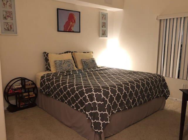 Luxury one bedroom in the heart of DTLA ❤️