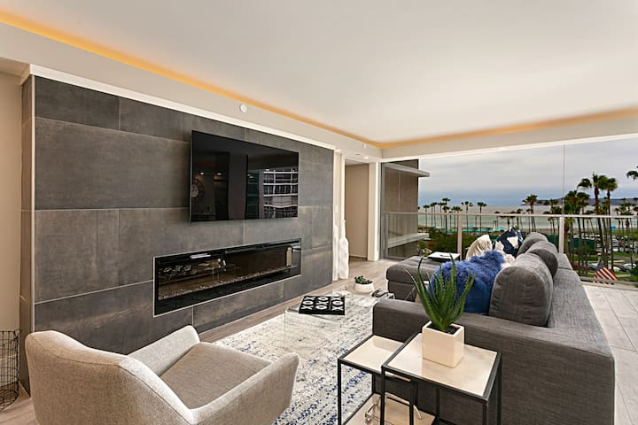 Remodeled Coronado Shores Beachfront Condo