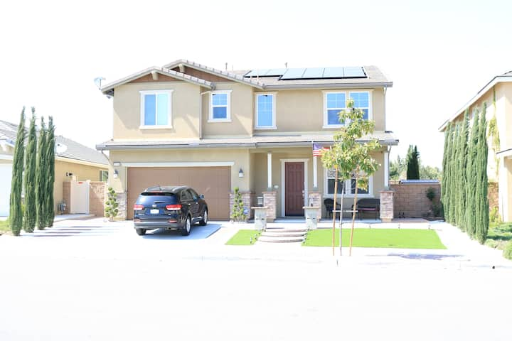 4 BR 3 BTH FOR 2-12 IN TEMECULA VALLEY