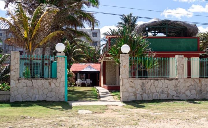 Habitación con terraza con vista al mar