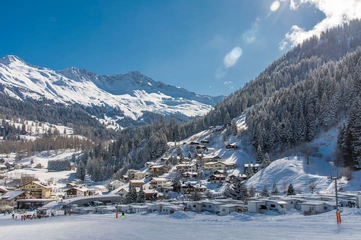 Studio Nos Da.  Ski In Ski Out.