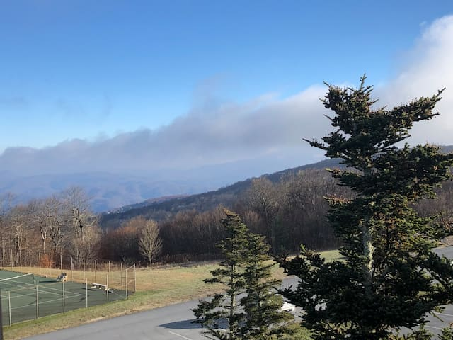 Beech Mountain Gem- Sleeps 6! Managed by Owners!