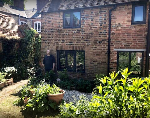 The Counting House: A cosy characterful cottage