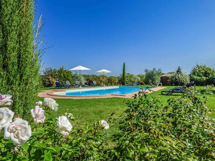 PESCHETO - private pool villa, aircon, WiFi, Lucca