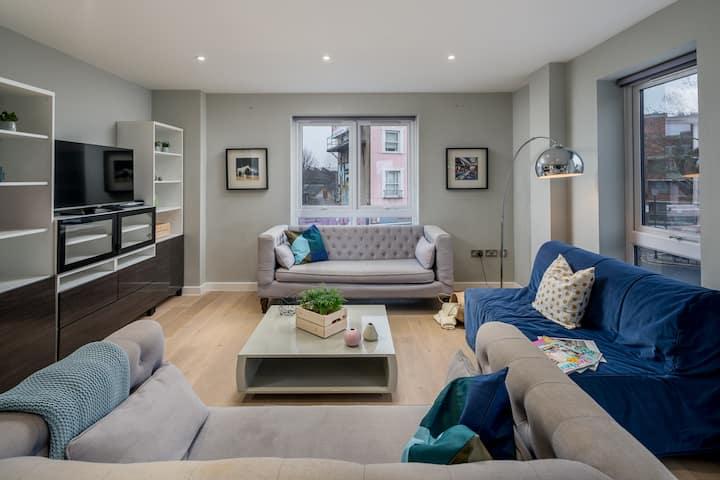Elegant 2 bed flat on Ladbroke Grove, Kensington