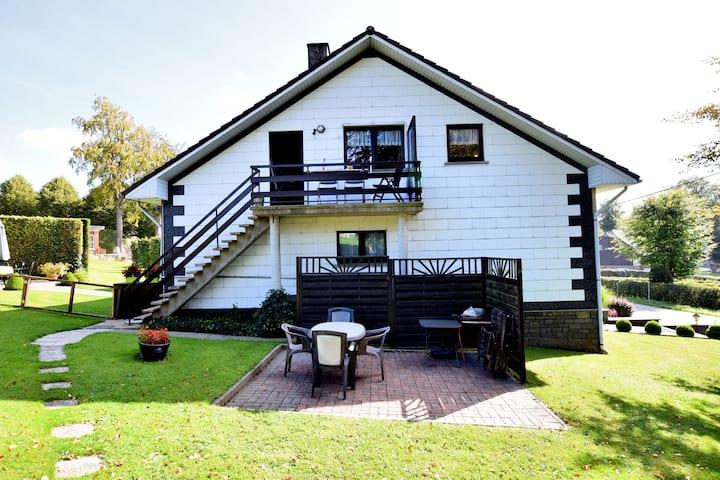 Bel appartement au bord de la forêt à Nidrum